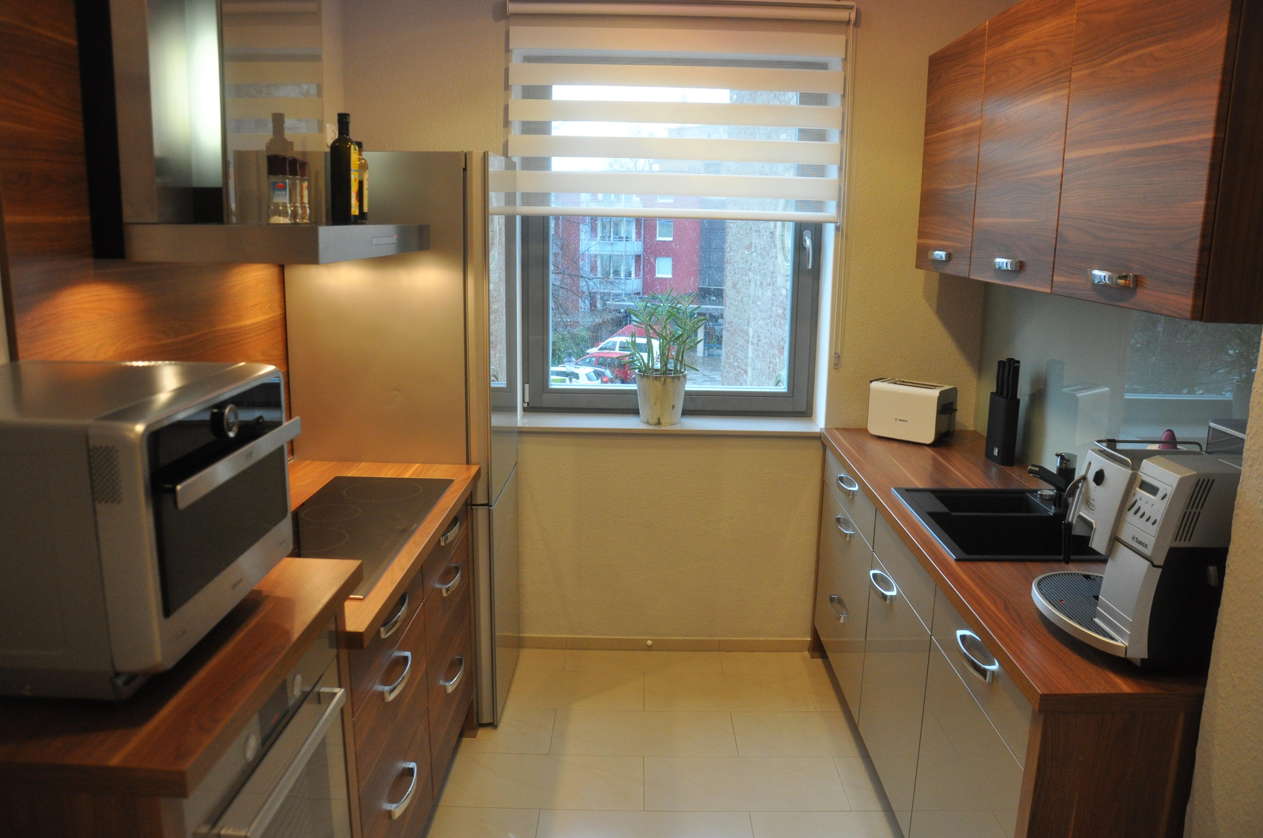 Unsere komplett ausgestattete Einbauküche mit allen erdenklichen Elektrogeräten
